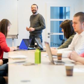 Zarezervujte si své místo v podzimních kurzech pro veřejnost nebo programech MBA